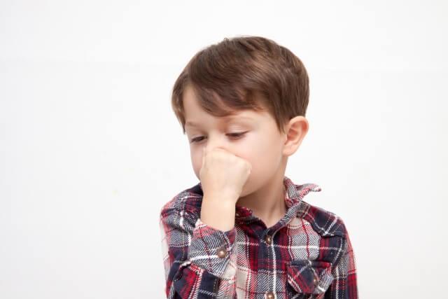 ①嫌いな臭いを使った忌避剤で追い出す